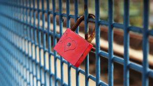 red padlock